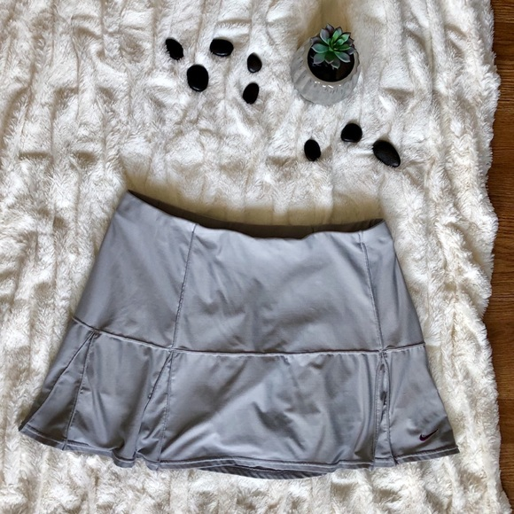 Nike Dresses & Skirts - Nike dri fit tennis skirt L